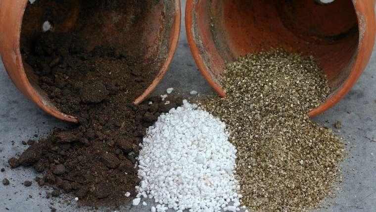 培養土の配合材料